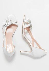 Yes I Do - CAROLINE - Sandály na vysokém podpatku - white - 3