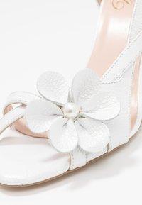 Yes I Do - CAROLINE - Sandály na vysokém podpatku - white - 2
