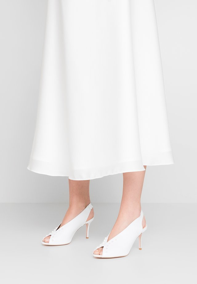 GLAM NEW - Peep toes - white