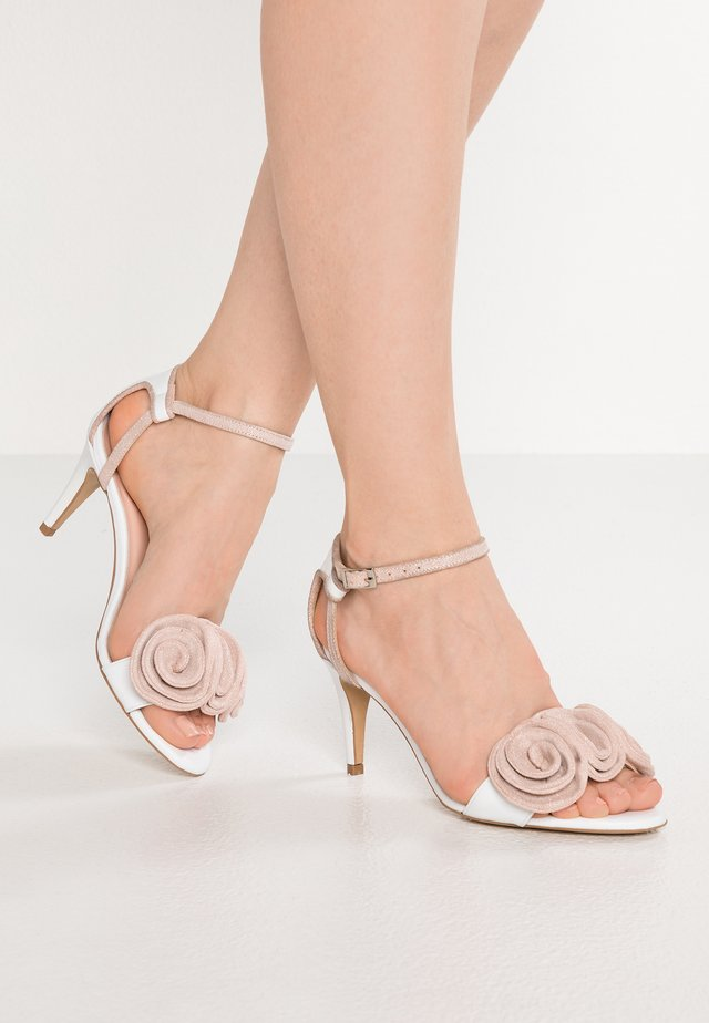 High heeled sandals - white/pink