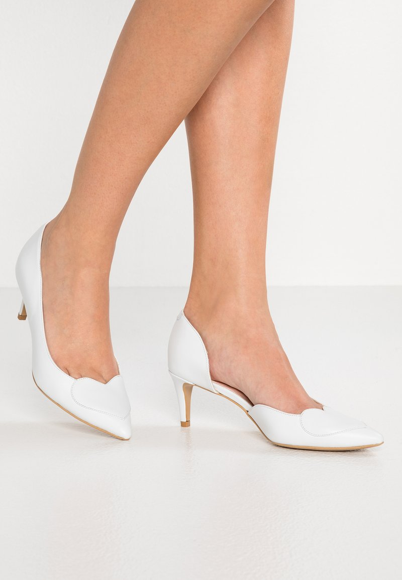 Yes I Do - BIG HEART UP - Classic heels - white