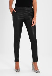 Ibana - Kalhoty - black - 0