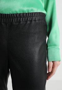 Ibana - HEARTY - Pantalón de cuero - black - 4