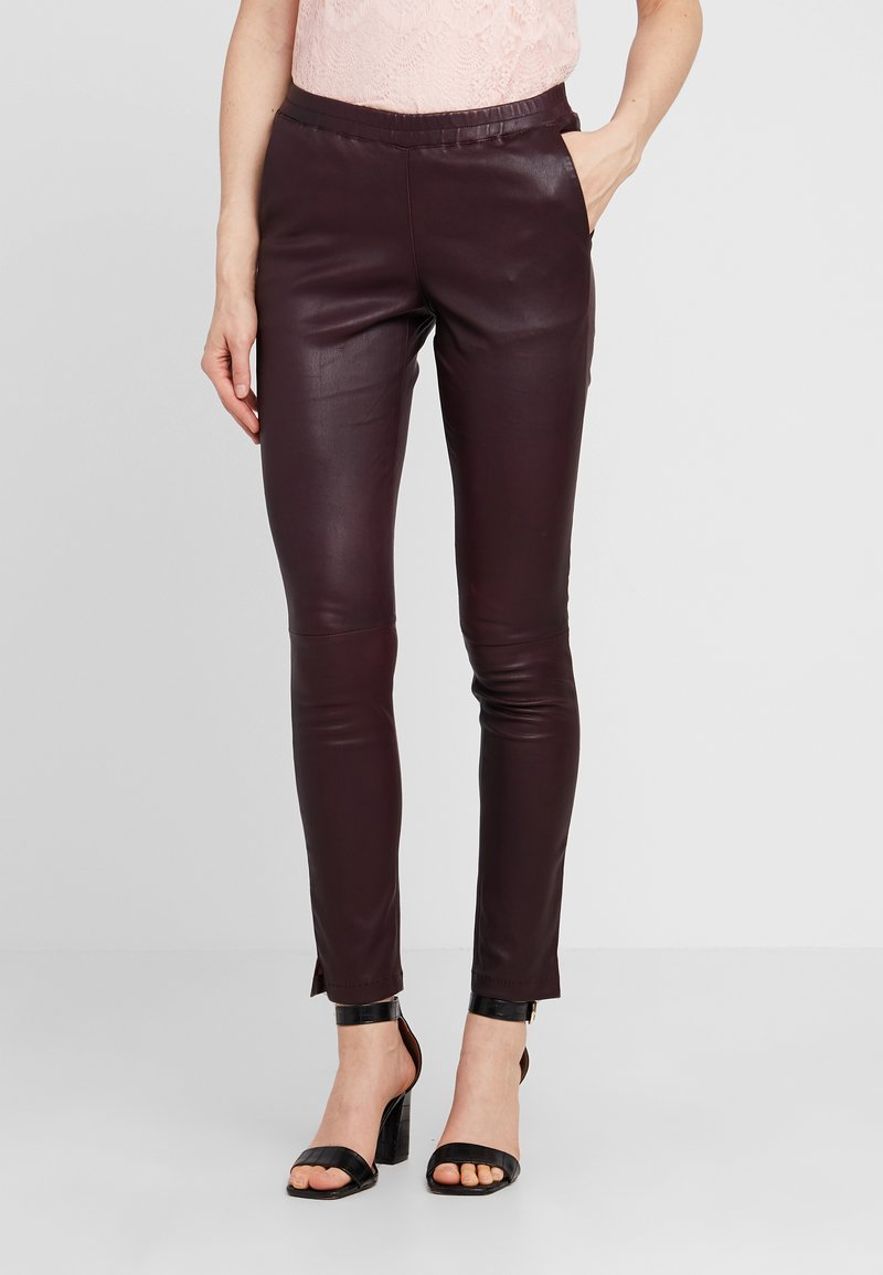 Ibana - GALAPAGOS - Trousers - purple