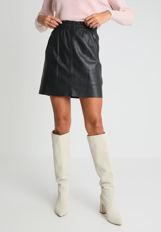 EASY - A-linjekjol - black