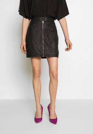 EXCLUSIVE ZIP MINI SKIRT - Kožená sukně - black
