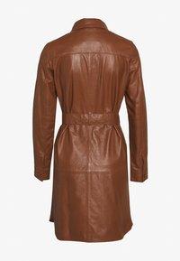 Ibana - ZOLA - Košilové šaty - camel - 1
