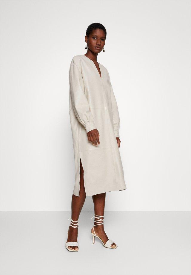DORRIS TUNIC DRESS - Etuikleid - cream