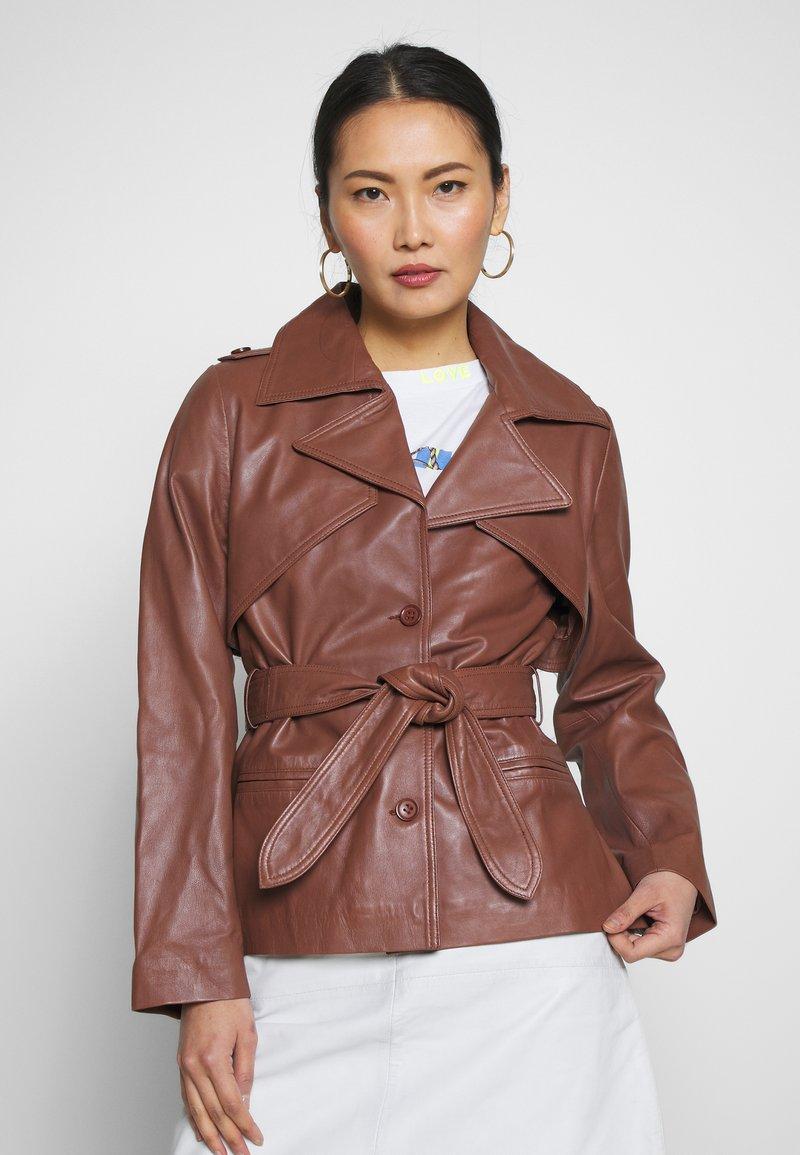 Ibana - LILOU - Veste en cuir - brown