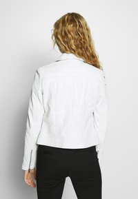Ibana - SINNE - Veste en cuir - white - 2