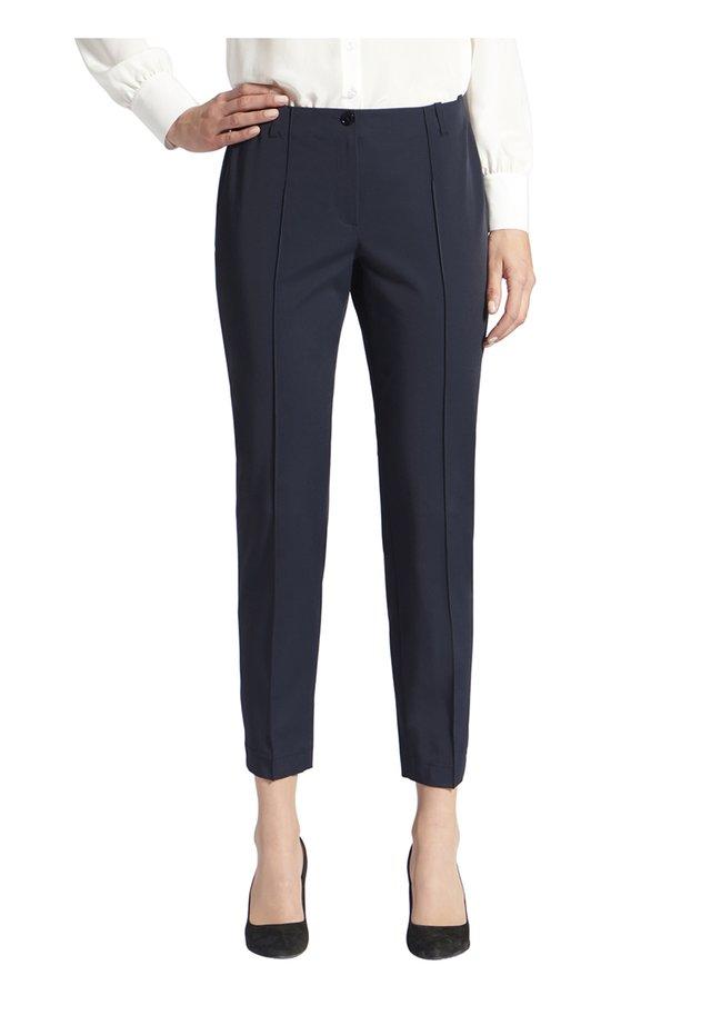 HOSE MIT GESäßTASCHEN UND GüRTELSCHLAUFEN - Trousers - dunkelblau