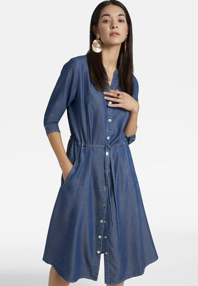 MIT BINDEBAND - Day dress - blue denim