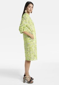 Basler - MIT V-AUSSCHNITT UND ALLOVER-MUSTER - Day dress - light green - 3