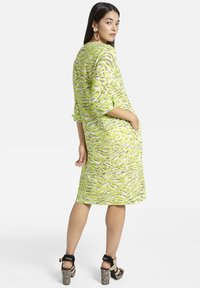 Basler - MIT V-AUSSCHNITT UND ALLOVER-MUSTER - Day dress - light green - 2