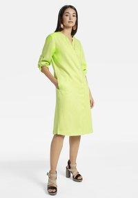 Basler - MIT DURCHGEHENDER KNOPFLEISTE - Shirt dress - light green - 1