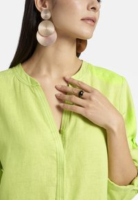 Basler - MIT DURCHGEHENDER KNOPFLEISTE - Shirt dress - light green - 4