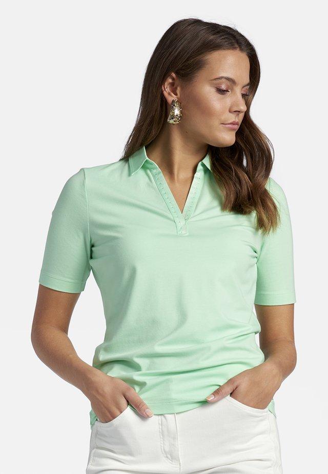 MIT STRASS-STEINCHEN - Polo shirt - mint