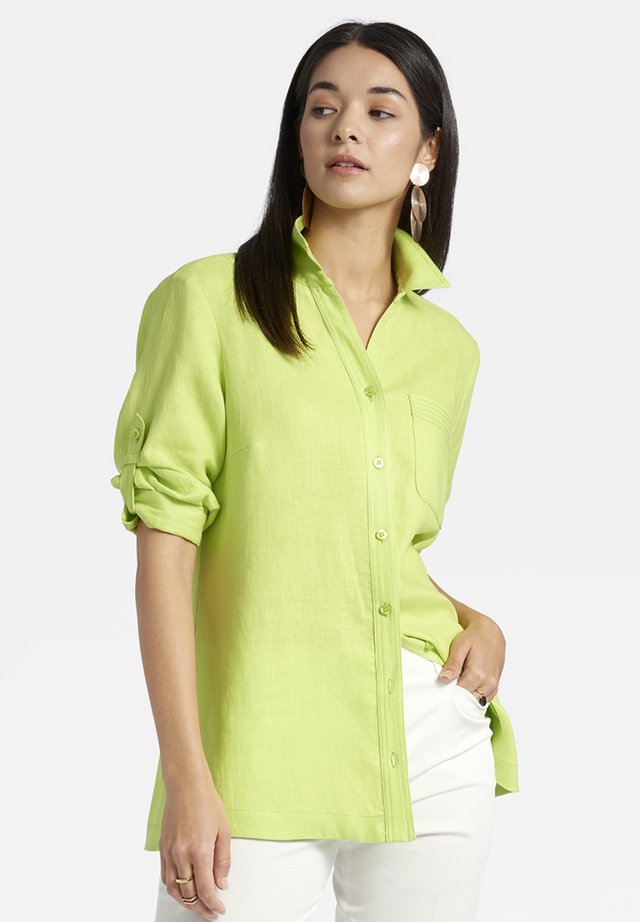 MIT BRUSTTASCHE UND KNOPFLEISTE - Button-down blouse - light green