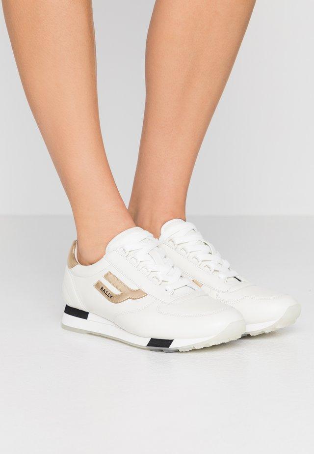 GAVINIA  - Sneakers laag - white