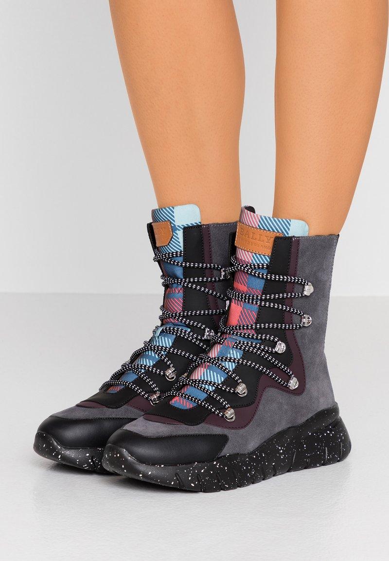 Bally - BIASA - Sneaker high - prune