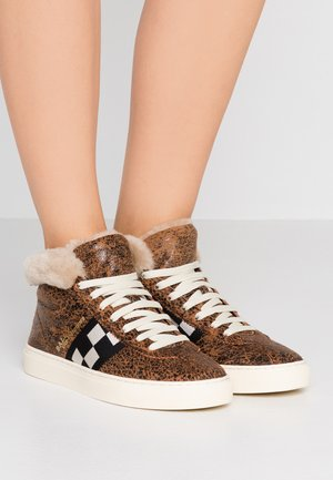 VITA - Sneakersy wysokie - brown