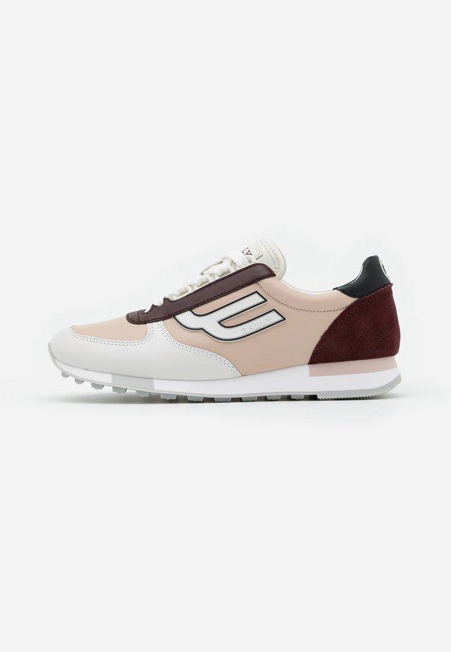 GAVINIA - Sneakersy niskie - poudre/shira