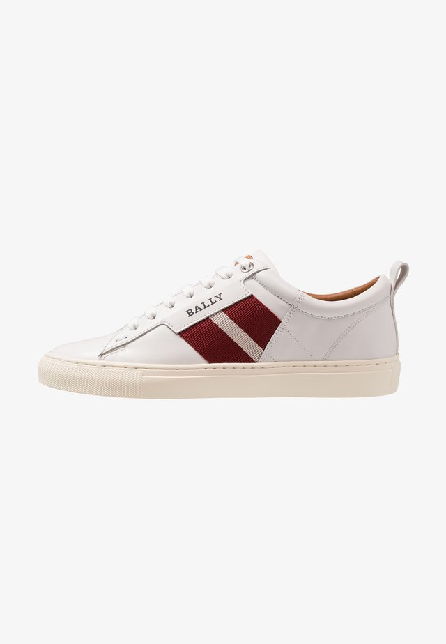 HELVIO - Sneaker low - white
