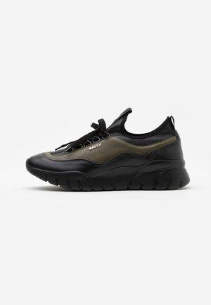 BIKKI - Sneakers laag - black