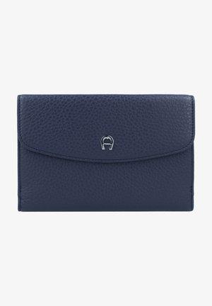 BASICS - Wallet - marine