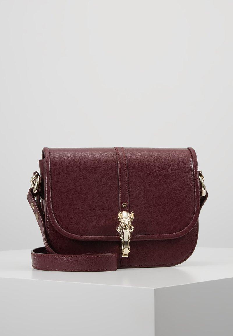 Aigner - EPONA - Sac bandoulière - burgundy