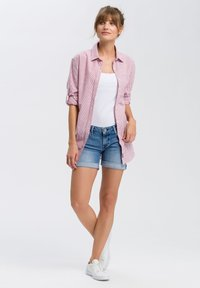 Cross Jeans - Button-down blouse - white-red - 1