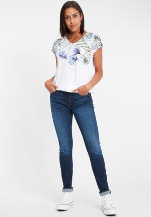 T-SHIRTS (MIT ARM) 55669 - Print T-shirt - white