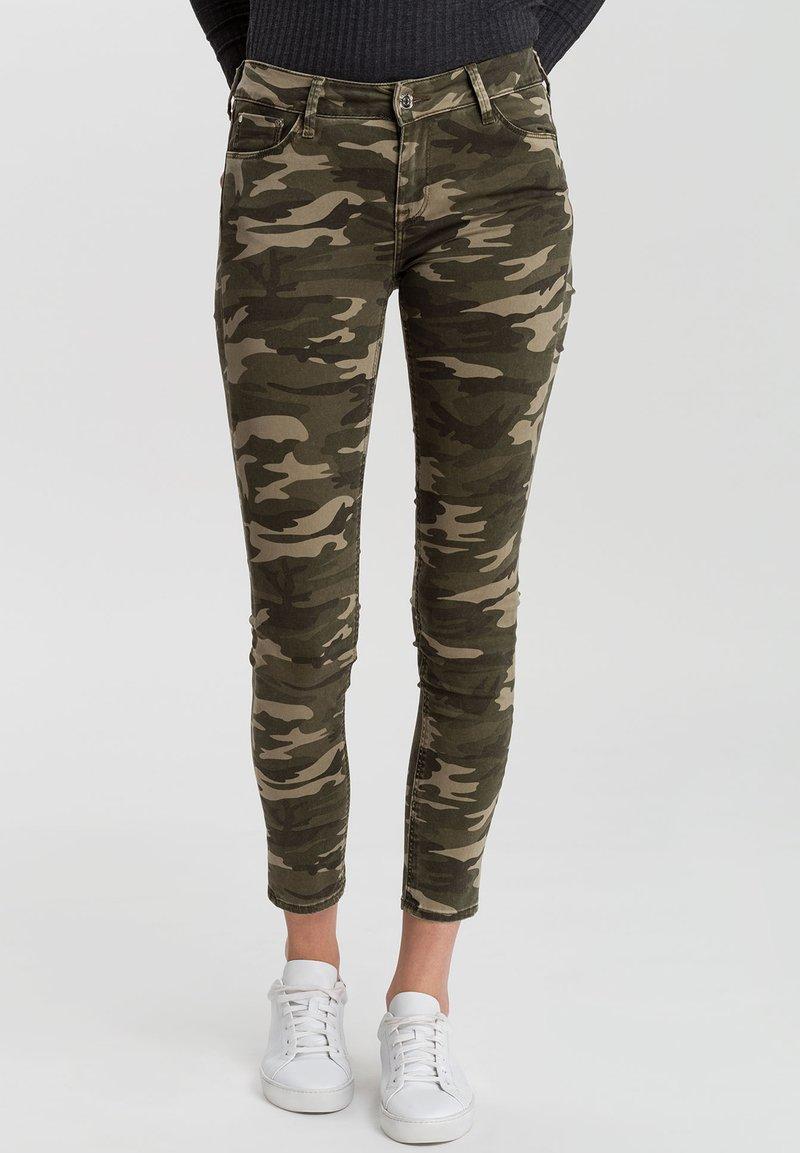 Cross Jeans - GISELLE - Jeans Skinny Fit - khaki