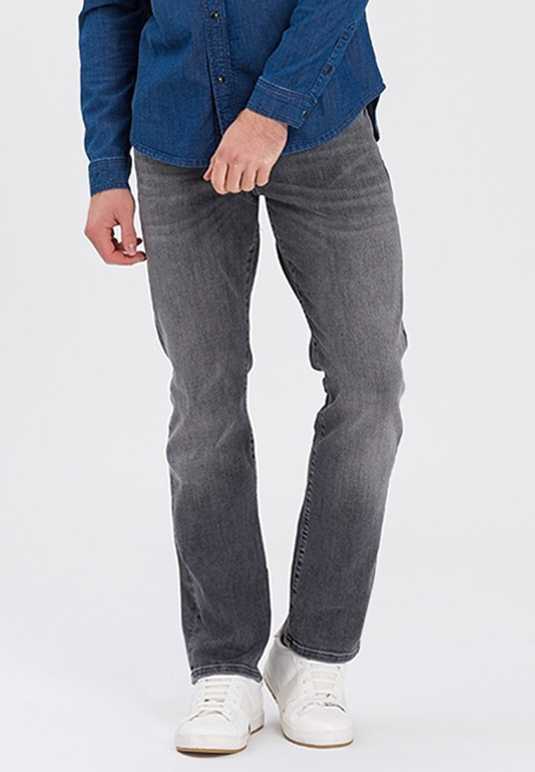 Cross Jeans - DYLAN - Straight leg jeans - grey
