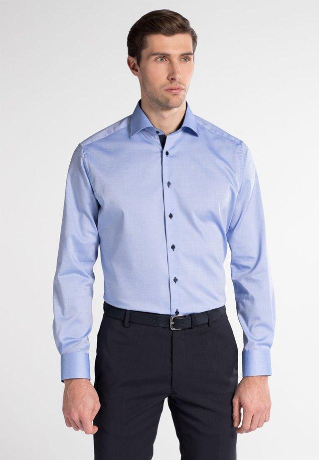 FITTED WAIST - Shirt - mittelblau
