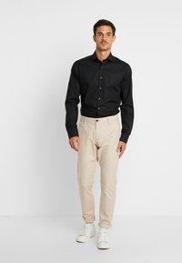 Eterna - SLIM FIT - Camicia elegante - black - 1
