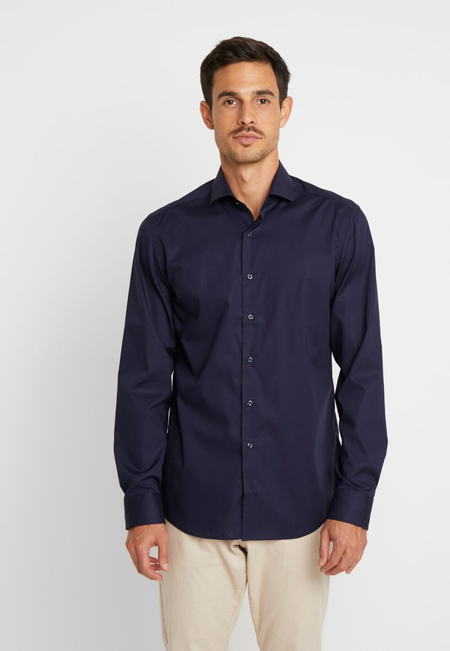 SLIM FIT - Formal shirt - marine