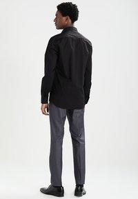 Eterna - SLIM FIT - Formální košile - schwarz - 2
