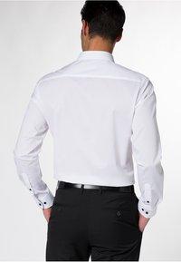 Eterna - SLIM FIT - Skjorter - white - 1
