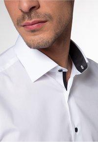 Eterna - SLIM FIT - Skjorter - white - 2