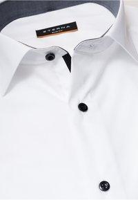Eterna - SLIM FIT - Skjorter - white - 4