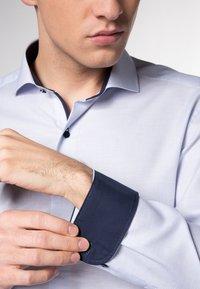 Eterna - SLIM FIT - Shirt - hellblau - 2