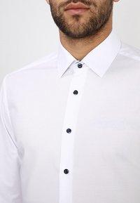 Eterna - SLIM FIT MODERN KENT KRAGEN  - Formal shirt - white - 3