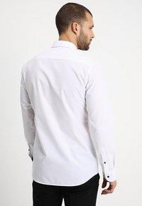 Eterna - SLIM FIT MODERN KENT KRAGEN  - Formal shirt - white - 2