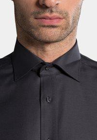 Eterna - COMFORT FIT - Zakelijk overhemd - anthracite - 2