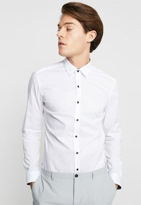 Eterna - UNI STRETCH SUPER SLIM MINI KENT - Finskjorte - white - 0