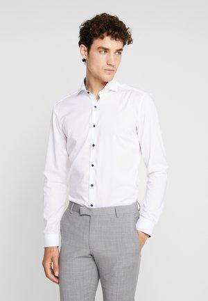 SUPER SLIM - Formal shirt - weiß