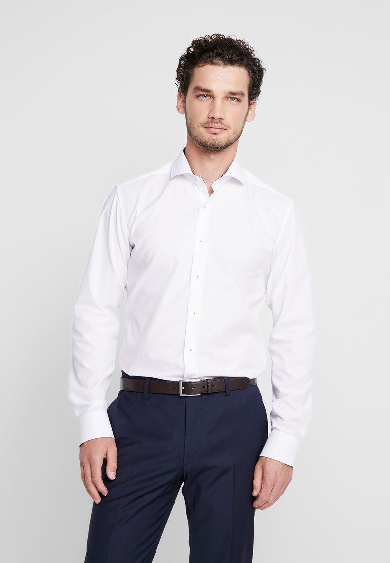 Eterna - SLIM FIT HAI-KRAGEN MIT PATCH - Camicia elegante - weiß