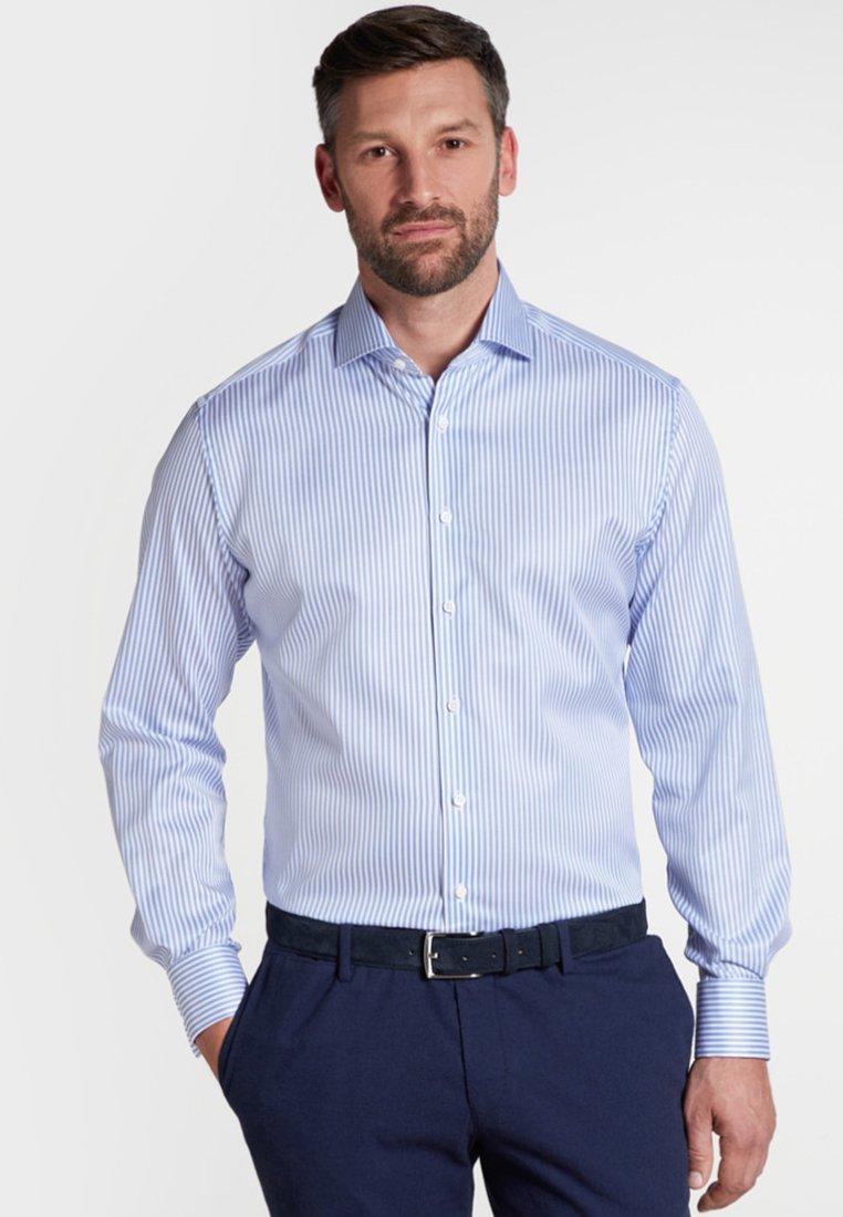 Eterna - FITTED WAIST - Businesshemd - light blue/white