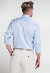 Eterna - SLIM FIT - Finskjorte - light blue - 2